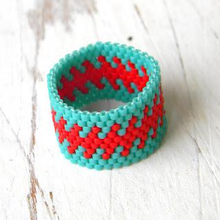 купить широкое кольцо с узором необычные украшения из бисера