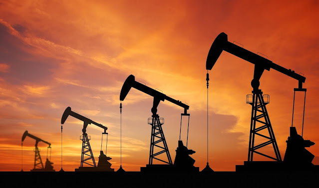 Services an oil