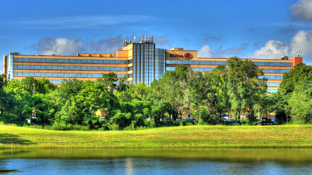 Hilton Orlando/Altamonte Springs is conveniently located halfway between Disney and Daytona. Offering complimentary transportation within a 3-mile radius.