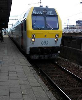 Double decker train pulls into Mechelen