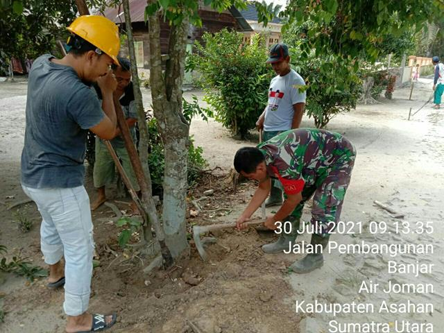 Peduli Kesehatan Dan Keselamatan Warga Binaan, Personel Jajan Kodim 0208/Asahan Ajak Warga Laksanakan Gotong-royong