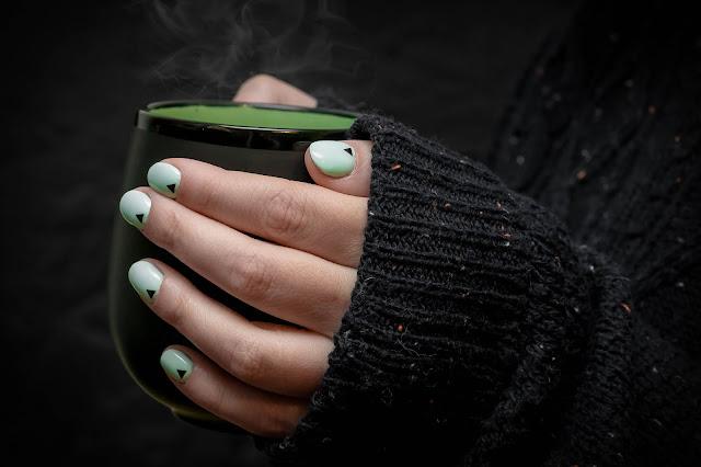 Tips on Applying Dashing Diva Gel Nails, Colorstreet, & Incoco Nail Strips