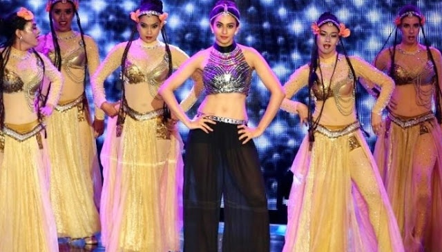 rakul preet singh dance performance at SIIMA 2016