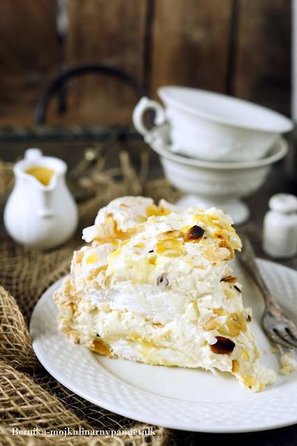 tort, beza, ajerkoniak, urodziny, deser, ciasto, bernika, mascarpone, kulinarny pamietnik