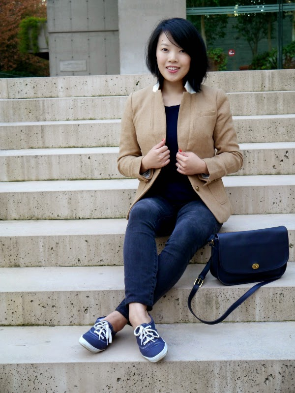 Fall weekend casual: Camel blazer, vintage Coach bag, Keds, skinny jeans, navy tee