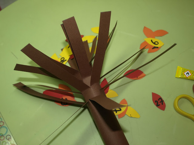 Χειροτεχνία δέντρο από χαρτόνι
