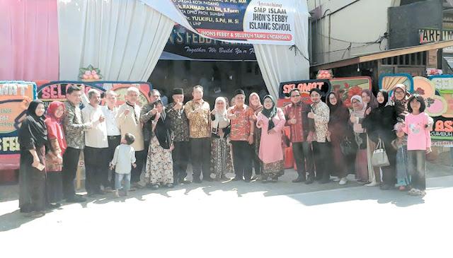 Peresmian SMP Islam Jhon's Febby Padang