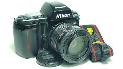 Nikon F90X Body #631, AF Zoom-Nikkor 35-105mm F3.5~4.5 D