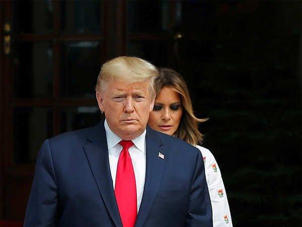 अमेरिका के राष्ट्रपति डोनाल्ड ट्रम्प और उनकी पत्नी मेलानिया की कोरोना रिपोर्ट पॉजिटिव है।