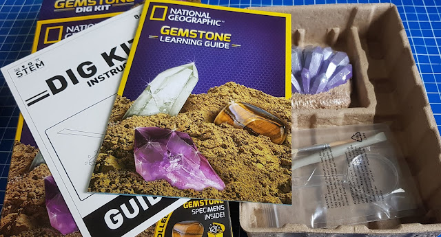 National Geographic Gemstone Dig Kit Review what's in the box?