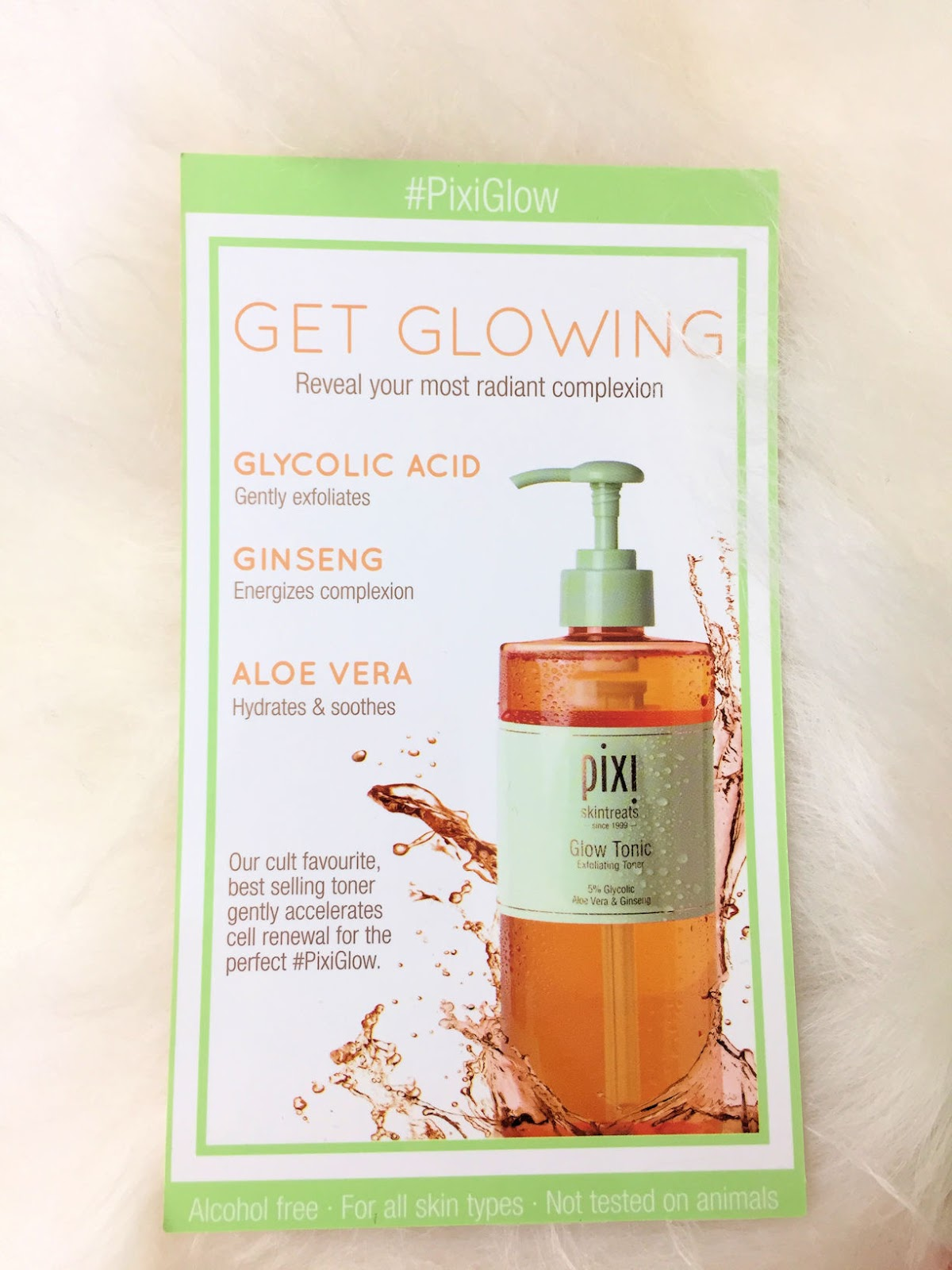 Review of Glow Tonic from PIXI Beauty: how to have a radiant complexion on Fashion and Cookies beauty blog, beauty blogger