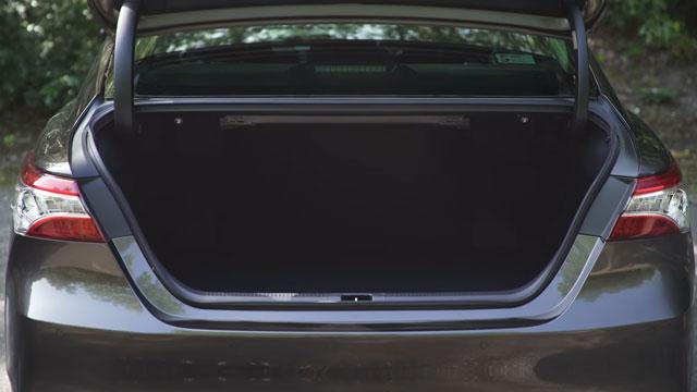 مراجعة تويوتا كامري 2020 - Toyota Camry 2020 Review