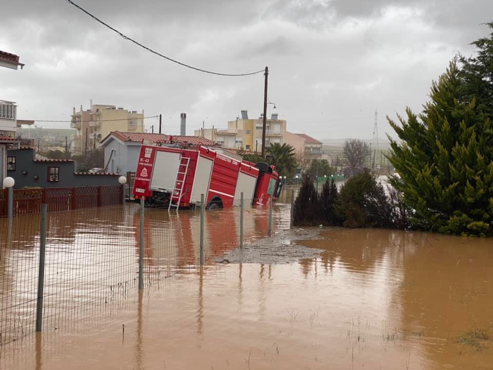 Αλεξανδρούπολη: Νεκρός πυροσβέστης που παρασύρθηκε από τα ορμητικά νερά