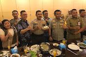 Ketua RW.006 Willy Jong Rayakan Ultah Waka Polsek Tambora di Pluit