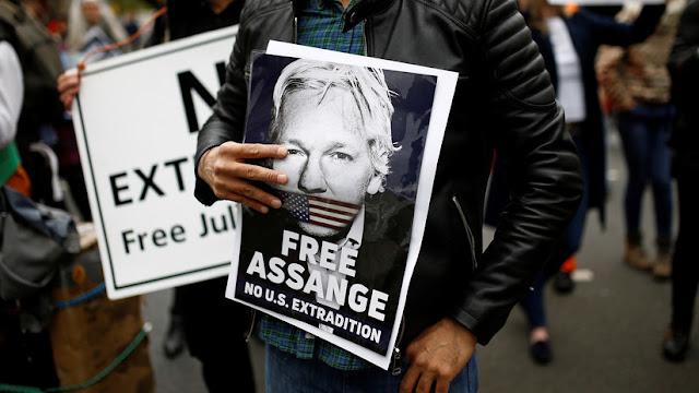"""La ONU ve """"desproporcionada"""" la sentencia contra Assange por violación de su libertad condicional"""