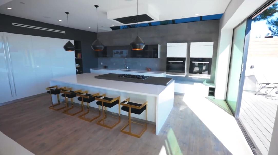 41 Interior Design Photos vs. 2484 Roscomare Rd, Los Angeles, CA Luxury Home Tour