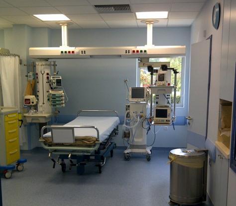 Μπήκε σε νοσοκομείο παράνομα για να δει αν ισχύουν οι ειδήσεις «περί κορωνοϊού» (Photo)