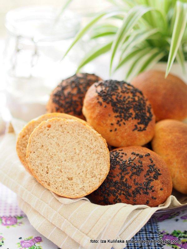 buleczki grahamki, bulki sniadaniowe, na sniadanie, bulka pelnoziarnista, maka graham, maka pszenna z pelnego ziarna, domowe bulki