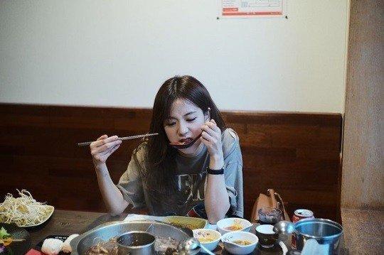 Jisoo'nun yeni fotoğraflarındaki güzelliği netizenleri etkiledi