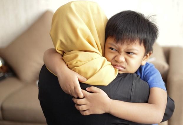 Tips Berdamai dengan Tantrum pada Anak
