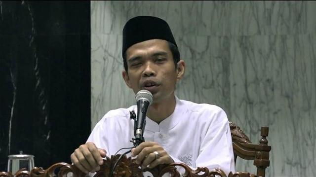 Mengenal Lebih Dekat Ustaz Abdul Somad. Mau Tahu Berapa Tarifnya?
