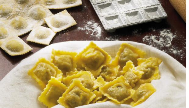 Alla scoperta dei piatti stagionali con La cucina tipica piemontese ...