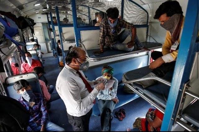 कोरोना बढ़ रहा है लेकिन लोग रोजगार के लिये लौटे, मुंबई में 5 लाख प्रवासी मजदूर वापस आये