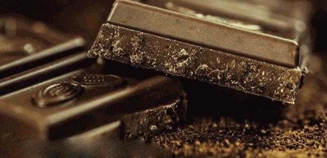 أسباب حساسية الشوكولاتة وكيفية علاجها