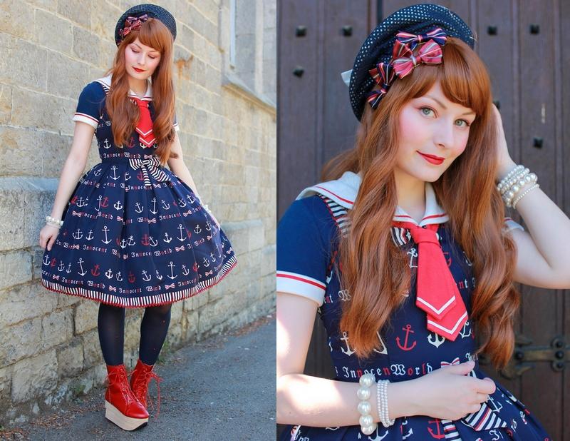 Tenue de petit marin avec une robe lolita innocent world imprimé ancre de bateau