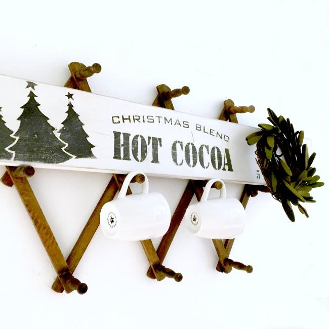 Christmas Blend Hot Cocoa Sign www.homeroad.net