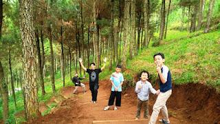 Survey lokasi berkemah di Gunung Putri Lembang