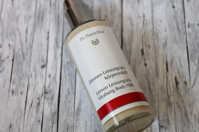 Zitronen Lemongrass Körpermilch von Dr. Hauschka - Pump-Glasflasche