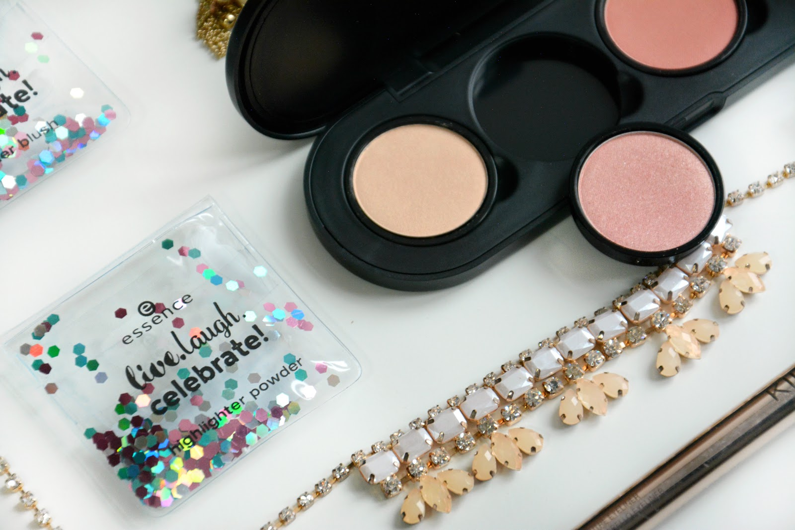 Essence My Must Haves Palette, Essence My Must Haves Highlighting Powder 01; Essence My Must Haves Soft Shimmer Blush 01; Essence My Must Haves Soft Satin Blush 01