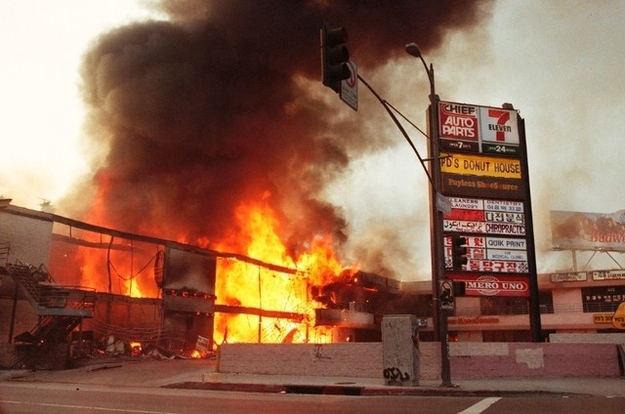 Photos+of+The+1992+Los+Angeles+Riots+(3)