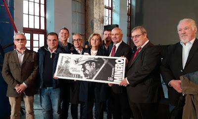 Autoridades con el sello de El Minero en el Pozo Sotón
