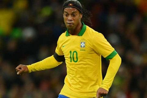 Tiền đạo: Ronaldinho