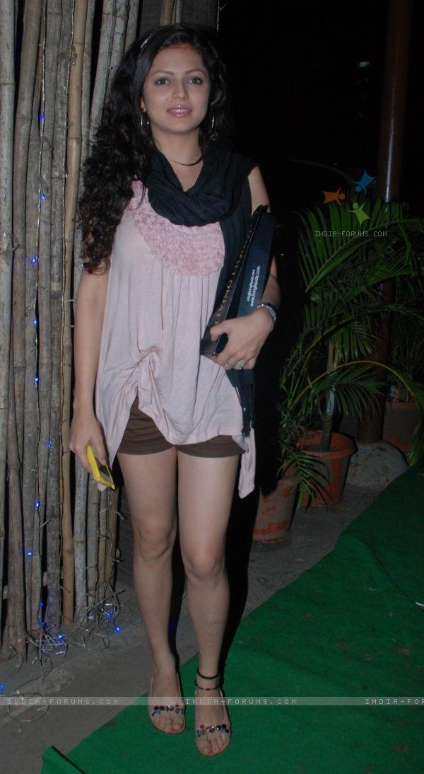 Mumbai college girl seducing white traveler in hotel room - 4 2