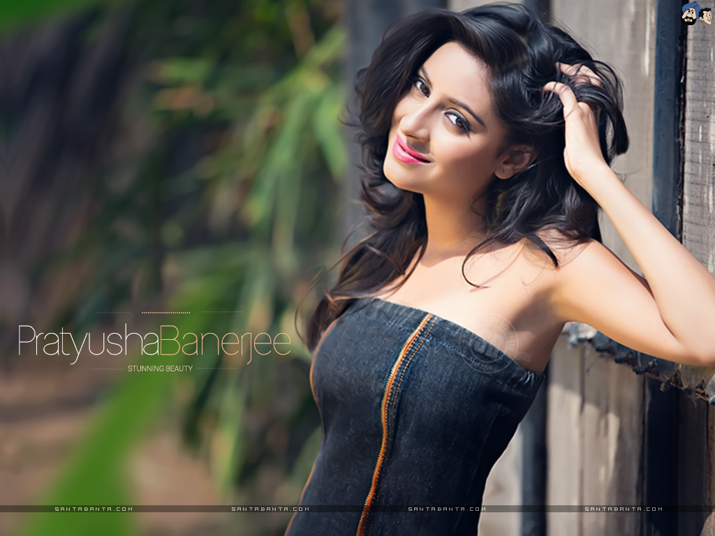 Pratyusha Banerjee In Bikini TV Serial Actre...