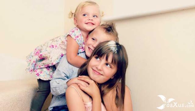 14 Fakta Anak Ketiga Dalam Percintaan, Keluarga, dan Lingkungan Sekitarnya