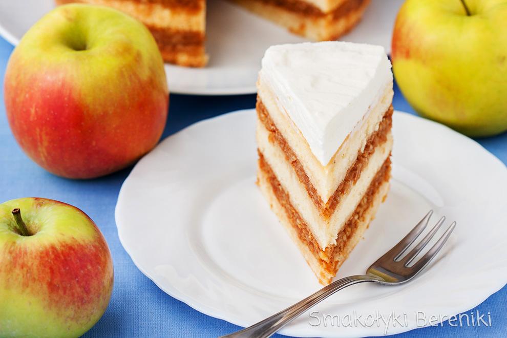 biszkopt przełożony masą jabłkową