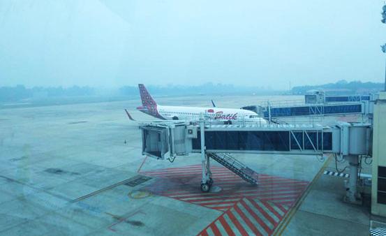 Limbah asap dapat menyebar dengan cepat dan menimbulkan dampak bagi kesehatan manusia serta mengganggu penerbangan dan wisata