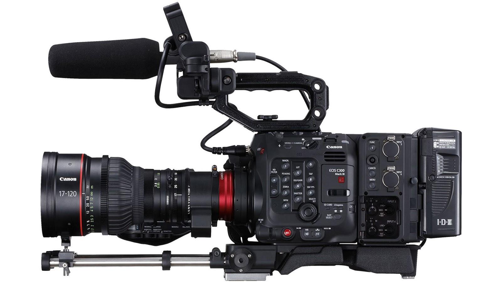 Canon EOS C300 Mark III, вид сбоку