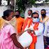 भाजपा ग्रामीण जिला अध्यक्ष ज्ञान रंजन सिन्हा के हाथो प्रतिदिन कमाने खाने वाले 70 परिवार में सुखा राशन वितरण का शुभारंभ कर वितरण किया गया