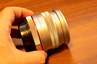 レンズプロテクターを装着した状態でもレンズキャプを装着可能