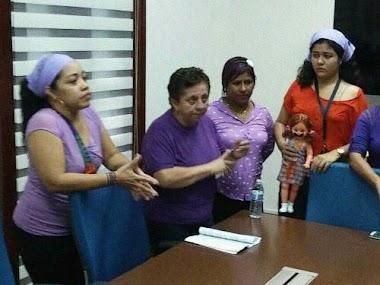 En La Opinión De La Profesora Nelva Reyes Barahona: Día del Abrazo Feminista Solidario