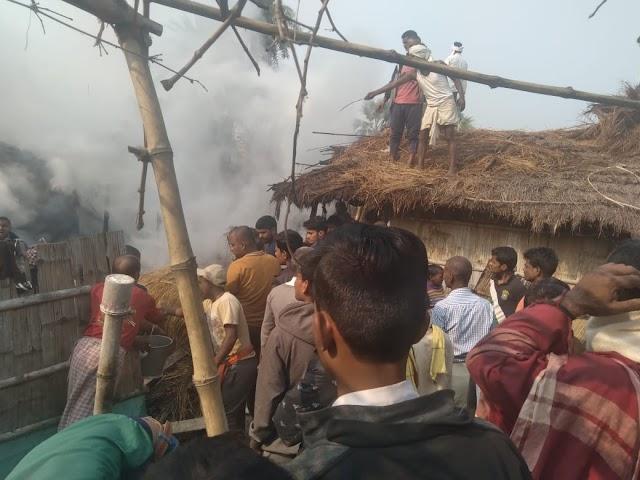 शिवनगर में अलाव की आग से जलकर खाक हुए कई घर, लाखों की क्षति