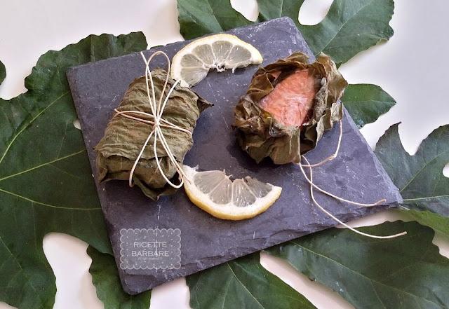 Pesce al cartoccio in foglie di fico