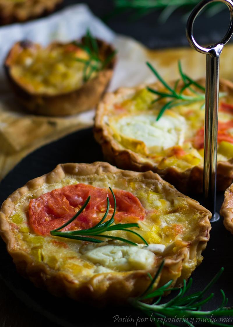 Tartas saladas o quiches de puerro, tomate y queso de cabra