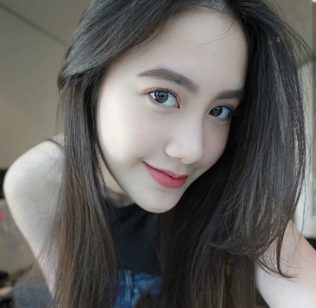 Nhan Sắc Em Girl Xinh Người Lào Gốc Việt