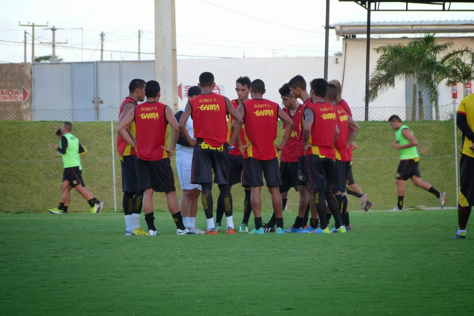 O Força e Luz treinou hoje no estádio Barrettão c0e025d1bb946